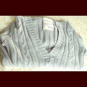 Aeropostale low cut sweater!